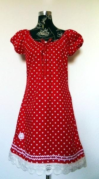 40c8ab29280 Rotes Rockabilly Punkte Kleid Online Kauf Tunika Hänger PinUp