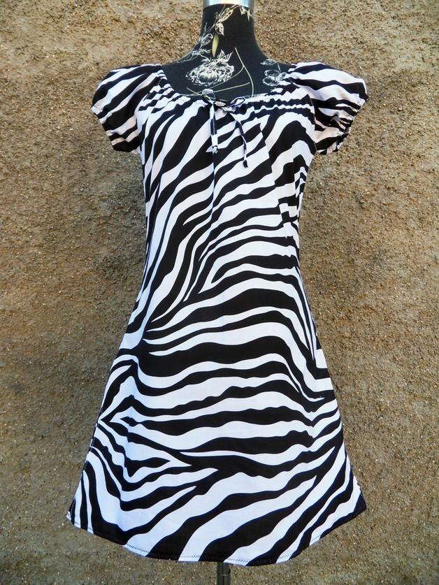 Kleid schwarz weib zebra