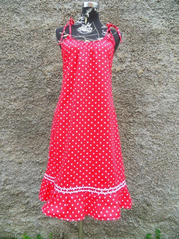 rotes sommerkleid mit punkten p nktchenkleid kleid punkte rot. Black Bedroom Furniture Sets. Home Design Ideas